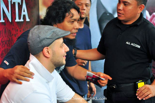 Maher Zain meeting Indonesian fans