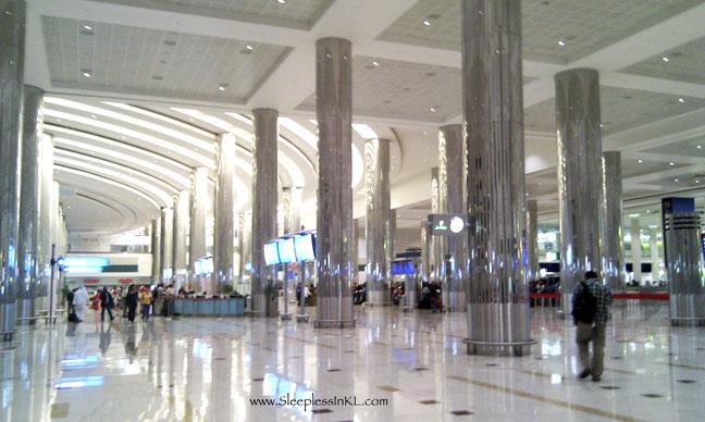 Dubai airport arrival hall